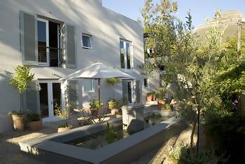 Four rosmead Cape Town guesthouse accommodation